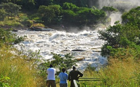 holiday-places-at-murchison-falls